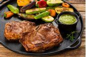 receita-chuleta-ao-pesto-de-tomilho-e-mini-legumes-na-brasa-churrasco-615557.jpeg