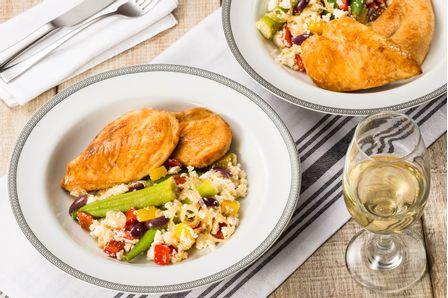 receita-bife-de-file-de-peito-com-salada-de-quiabo-616242--1-