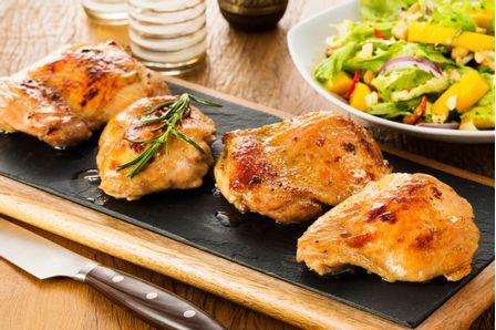 receita-file-de-sobrecoxa-com-salada-a-moda-thai-616241