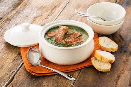 receita-caldo-verde-com-costelinha-suina-615729