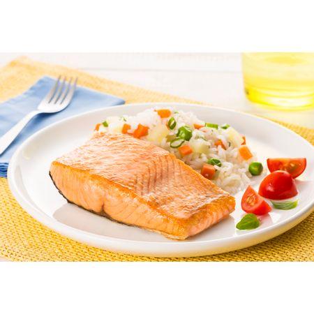 receita-salmao-com-arroz-de-legumes-616403