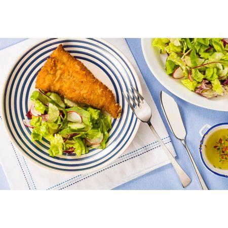 receita-file-de-polaca-a-milanesa-com-salada-refrescante-616662