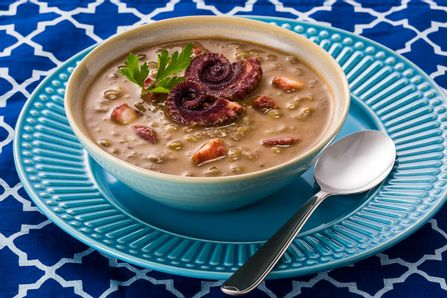 receita-sopa-de-lentilha-com-polvo-615991