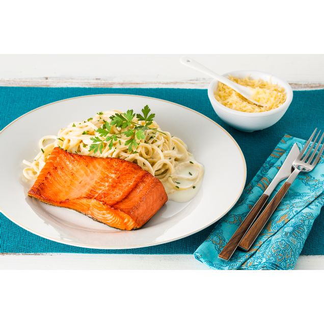 receita-file-de-salmao-sockeye-ao-molho-branco-e-espaguete-216664