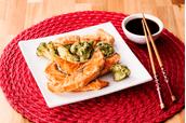 tempura-de-salmao-e-legumes
