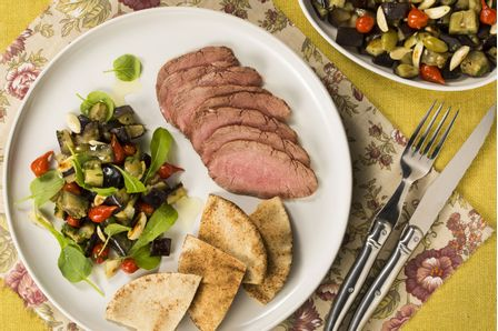 rosbife-de-peixinho-com-salada-de-berinjela-dia-a-dia-616035