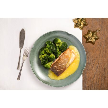 salmao-ao-molho-de-laranja-e-brocolis-na-manteiga-francisco-silva-ano-novo-616942-616592-616921