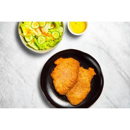 receitas-Bife-de-figado-a-milanesa-com-salada-de-folhas-cenoura-e-pepino-616097