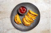 receitas-mini-tacos-com-molho-apimentado-de-tomate-618257